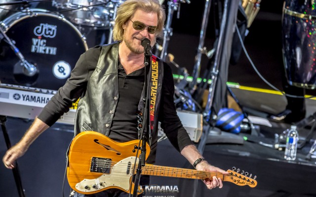 Daryl Hall & John Oates performance at Red Rocks Amphitheatre last Monday was one of the most intimate performances on their summer schedule.  The Rock-n-Roll Hall of Fame inductees packed the Rocks with vigorous fans wanting a hit parade performance that few can do like Hall & Oates.  The sold-out show was filled with a largely middle aged audience who, despite not being familiar with the supporting acts, Sharon Jones & The Dap-Kings followed by Trombone Shorty & Orleans Avenue, totally went crazy during each set.