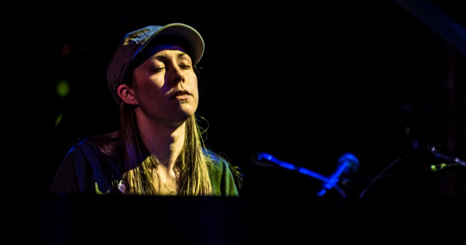 """Last Thursday night, innovative Piano virtuoso Holly Bowling made her headlining debut in Denver with a sold-out performance at The Bluebird Theater.  Bowling has made a name for herself over the past couple of years for her masterful interpretations of Phish and Grateful Dead music arranged for solo piano.  While she burst onto the scene with a wonderfully re-imagined take on Phish's legendary """"Tahoe Tweezer,"""" Bowling also works her magic on the tunes of Garcia, Hunter, Weir, Barlow and others."""
